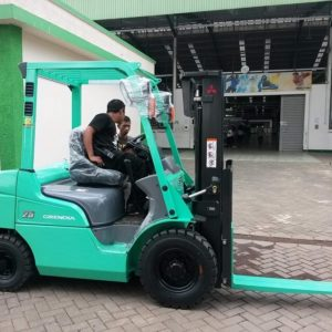 Jual Forklift Mitsubishi MM2100 Industrial Town BFIE